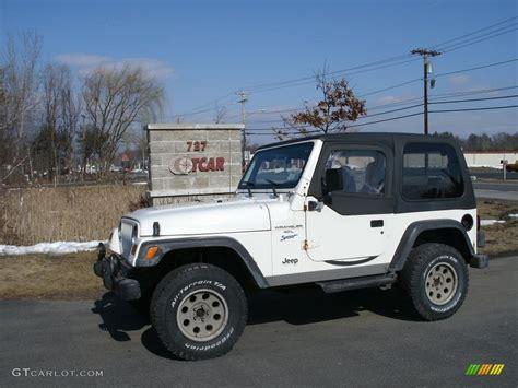 1998 White Jeep 1998 White Jeep Wrangler Sport 4x4 26778237