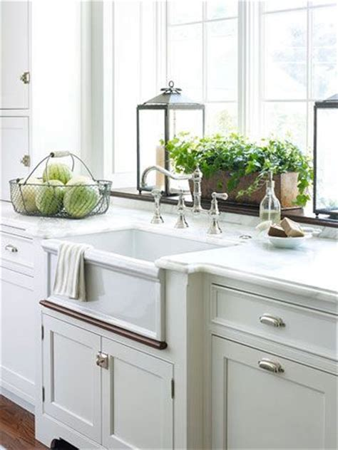 Decorating Ideas For Kitchen Ledges 25 Best Ideas About Window Sill Decor On