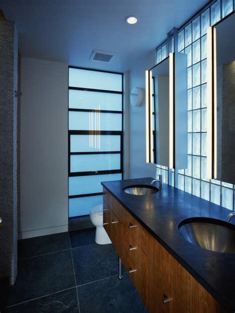 Incroyable Idee Mosaique Salle De Bain #3: la-double-vasque-en-verre-brique-de-verre-salle-de-bain-cool-idée-pour-l-intérieur-resized.jpg