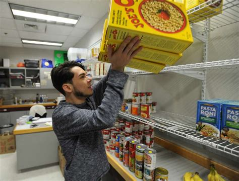 Food Pantry Open On Sunday by Colleges Open Food Pantries For Students In Need