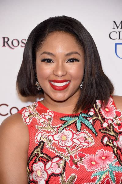 alicia quarles latest hair style alicia quarles shoulder length hairstyles looks stylebistro