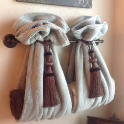 Bathroom Towels Decoration Ideas by Diy Decorative Bath Towel Storage Inspiration Using Two
