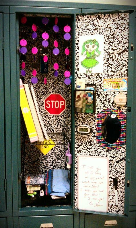 1000 ideas about locker wallpaper on school lockers locker accessories and locker rugs