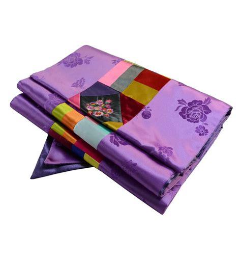 grand chemin de table violet design asiatique