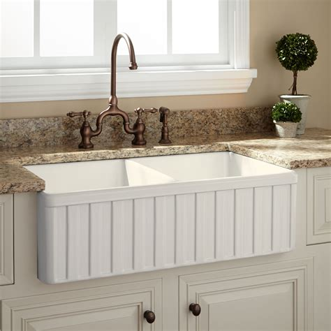Used Kitchen Sinks by 35 Unique Used Farmhouse Sink