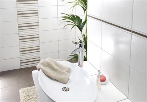Badezimmer Fliesen Wand Und Boden by Verschiedene Boden Und Wandfliesen Bei Obi Im 220 Berblick