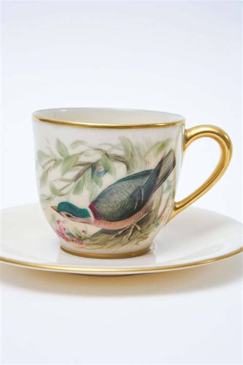 High Quality Handpainted Gold Bird Cup And Plate Six Charming Painted Song Bird Cup And Saucers