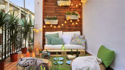 6 Decor Ideas to Take Your Tiny Balcony to New Heights