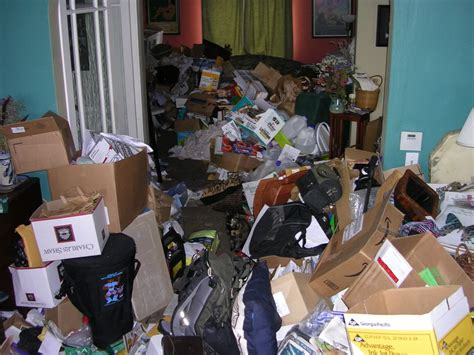 blind hoarder discovers dead of who had