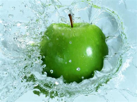 wallpaper apple water beautiful green apple in water desktop wallpaper free