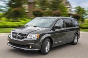 2015 chrysler town country vs 2015 dodge grand caravan