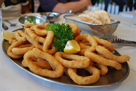 come cucinare calamari al forno anelli di calamari al forno ricetta