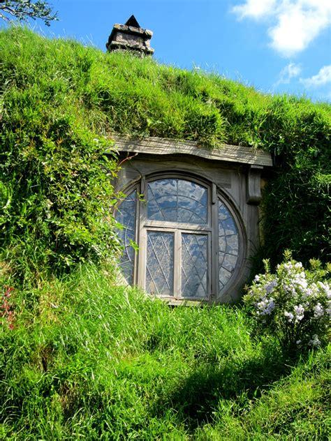 hobbit hole dog house 100 real hobbit house free hobbit 25 best hobbit houses images on pinterest