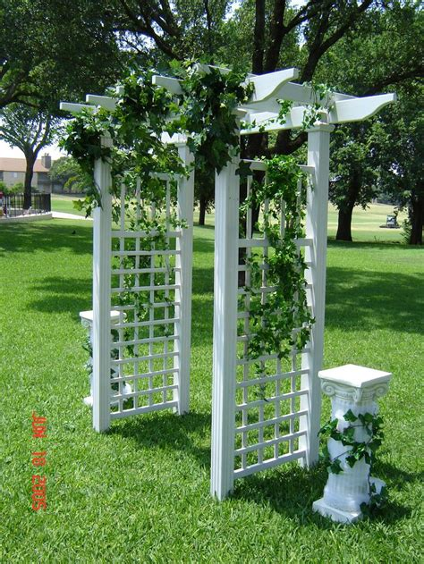 Wedding Arbor For Sale by 1000 Ideas About Wedding Trellis On