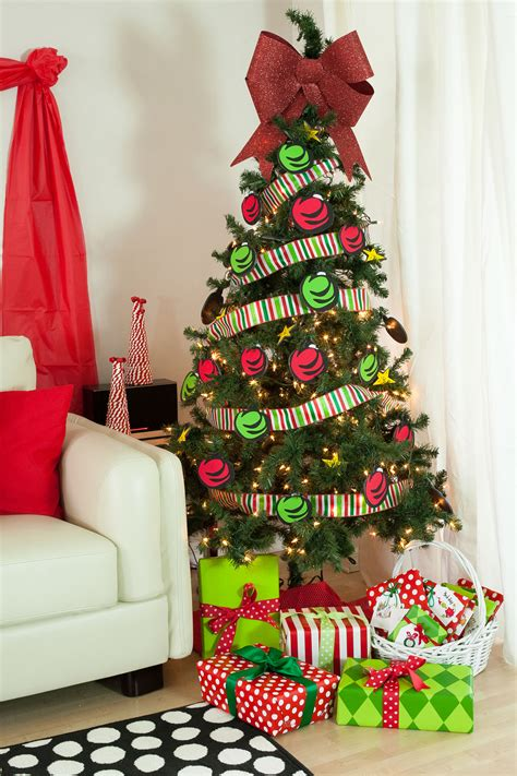 grinch christmas ideas the grinch decorated tree www indiepedia org
