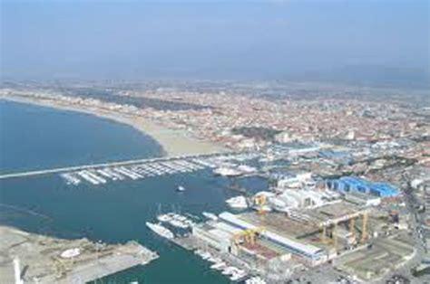 capitaneria di porto di viareggio la capitaneria di porto guardia costiera di viareggio