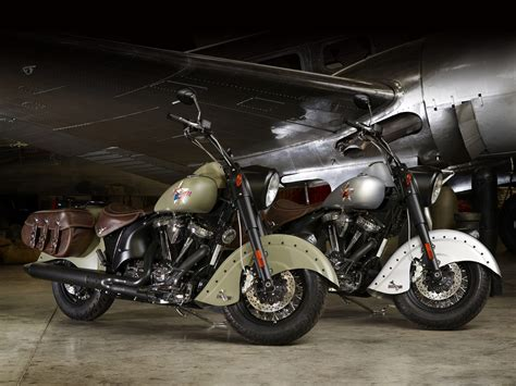 INDIAN motorcycle. 2010 Chief Bomber LE desktop wallpapers
