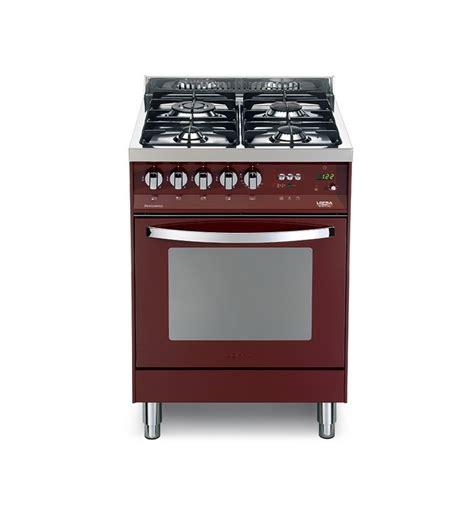 cucina con forno elettrico cucina con forno elettrico e piano cottura rosso burgundy