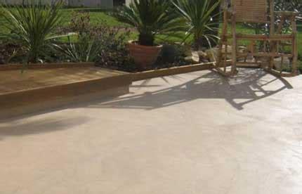 pavimento cementizio pavimento spatolato per esterno pavimento moderno