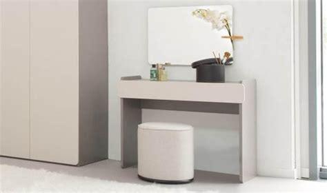 coiffeuse chambre meuble coiffeuse pour chambre adulte bois gris design
