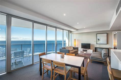 one bedroom apartments in hton va hilton surfers paradise residences surfers paradise