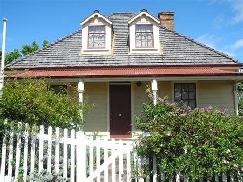 Nairn Cottages by Nairn Cottage Wellington New Zealand Top Tips