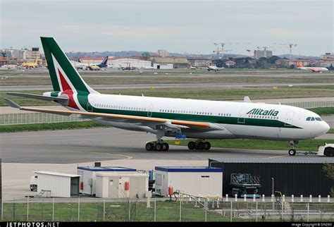 airbus a330 alitalia interni 109 best images about airways branding and design on