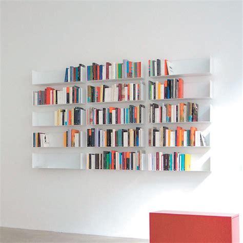 l etagere etag 232 re pour livres et dvd de linea1 a