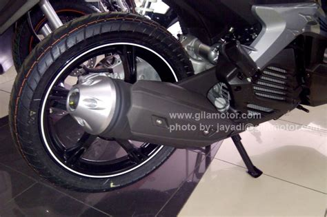 Knalpot Racing Yamaha Xeon Akrapovic Gt detail yamaha new xeon gt ini bedanya dengan xeon rc