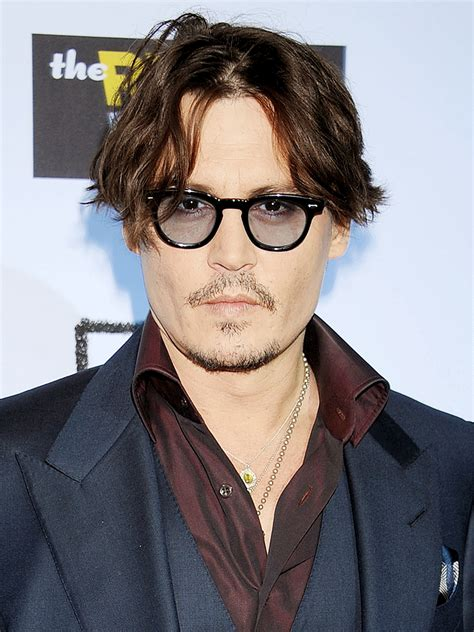 johnny depp mini biography johnny depp actor director musician tv guide