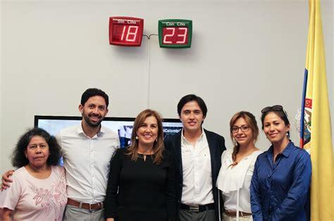 consolato colombiano a colombianos en mil 225 n siguieron con viva emoci 243 n la visita