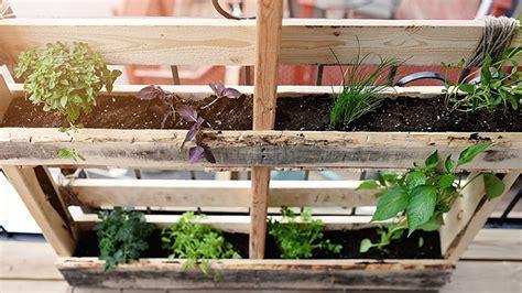construire un jardin en palettes de bois