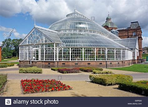 glasgow winter gardens s palace and winter gardens in glasgow green park