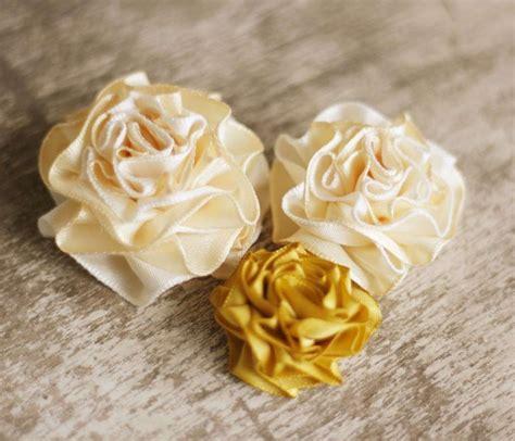 fiori di tessuto fiori di stoffa fai da te foto tempo libero pourfemme