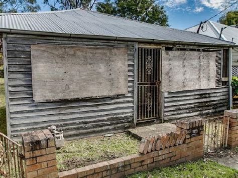worst house dutton park brisbane worst house in australia sells 168k over reserve