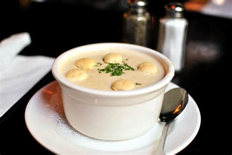 where to get the best new england clam chowder in boston