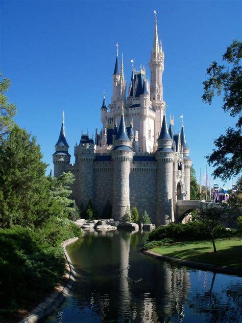 Enchanted Castle enchanted castle 4 by alorindanya on deviantart