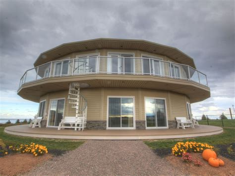 rotating house canada s rotating house luxury suites tours vrbo