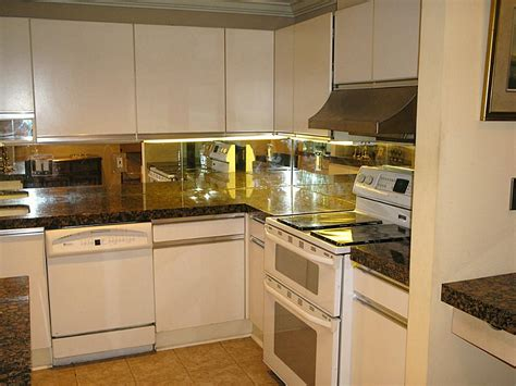 mirrored kitchen backsplash modern and cool mirror backsplash for modern kitchen homesfeed