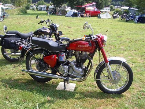 Indian Diesel Motorrad by Royal Enfield