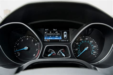 Ford Fusion Interior Door Handle 2014 Ford Focus Titanium First Test Motor Trend