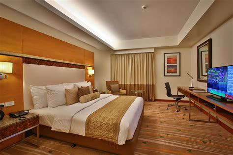 best western rooms deluxe room best western plus the ivywall hotel business hotel palawan