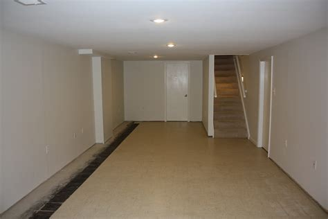 Finishing Basement Walls Ideas Amazing Finish Basement Walls H6xaa 8585