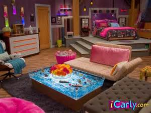 icarly bedroom furniture carly s bedroom http www icarly com decor rooms