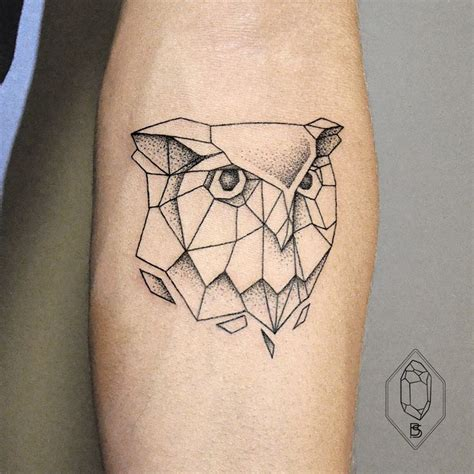 polygon tattoo 25 best ideas about geometric owl on