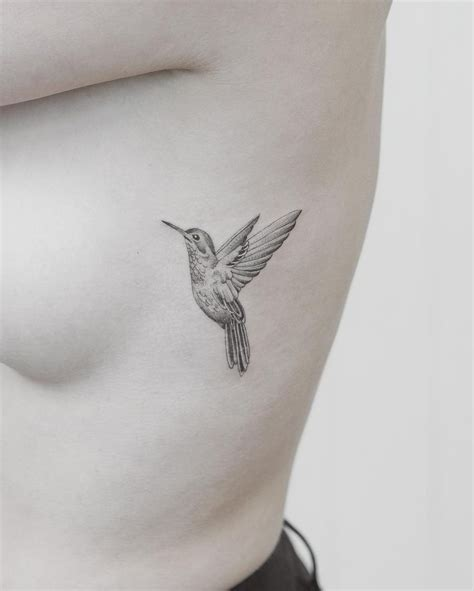 black and white hummingbird tattoo designs best 25 hummingbird ideas on colorful