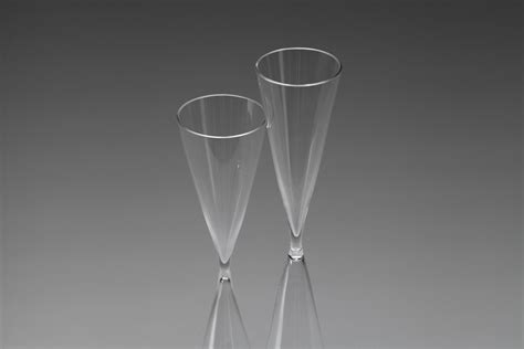 Hour Glass Vase by Jacksons Two Quot Hourglass Quot Vases Ingeborg Lundin