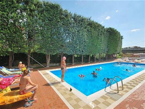parco vacanze dei fiori albenga vacanze in liguria 187 vacanze in liguria