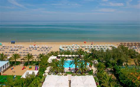sulla spiaggia hotel sulla spiaggia a silvi marina in abruzzo hotel mion