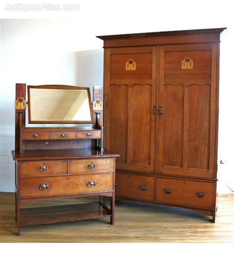 arts crafts bedroom furniture henredon bedroom furniture scottish arts crafts walnut bedroom suite antiques atlas